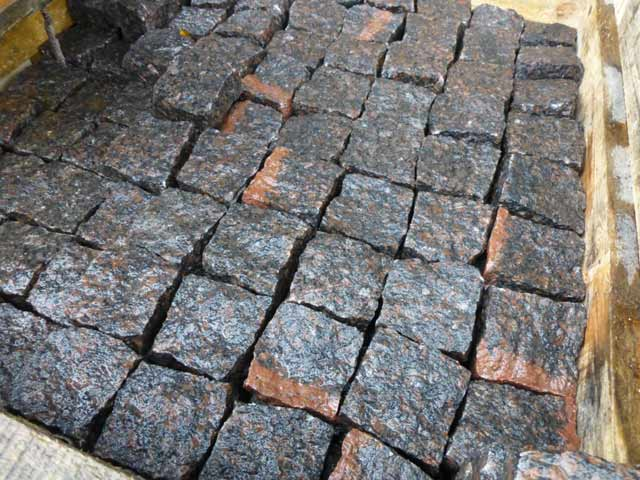 Buy chopped granite paving Dymovskiy