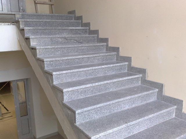 отделка лестницы плиткой фото
