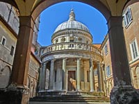 Rotonda Tempietto in Rome 1502 years of construction with marble columns and balustrade