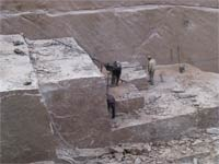 Deficiency of granite blocks on the raw materials market is compounded